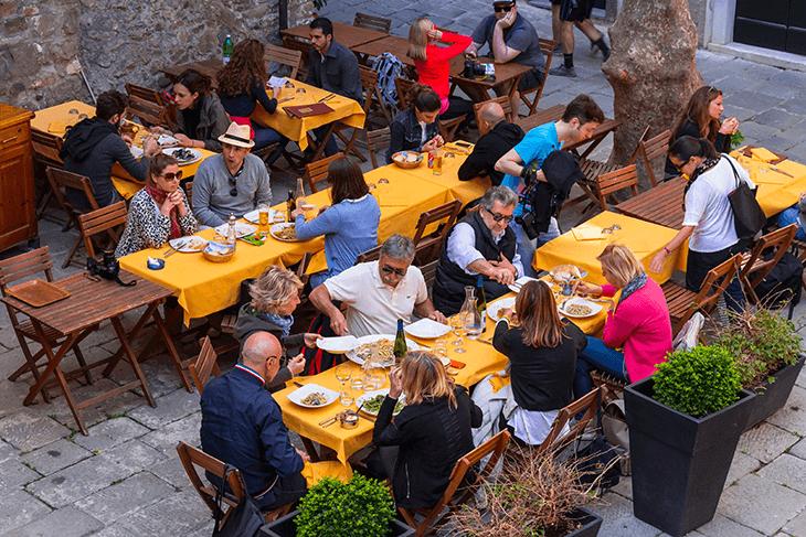 Where to Stay in Cinque Terre: Corniglia