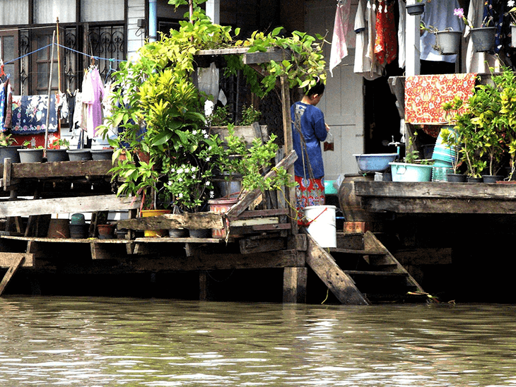 Riverside: the best areas to stay in Bangkok for tourists and sightseeing
