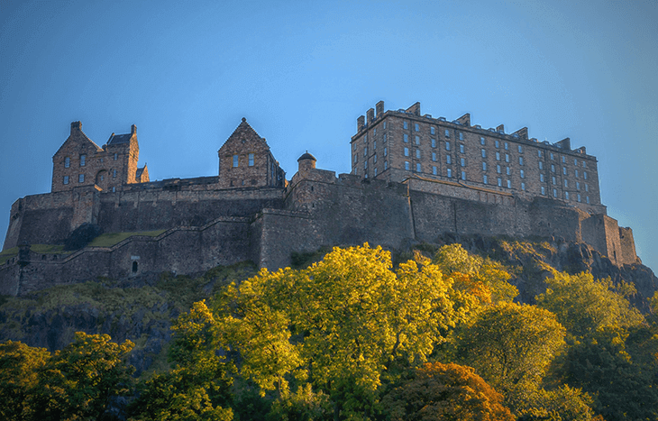 Best Time to Visit Scotland: Edinburgh Scotland