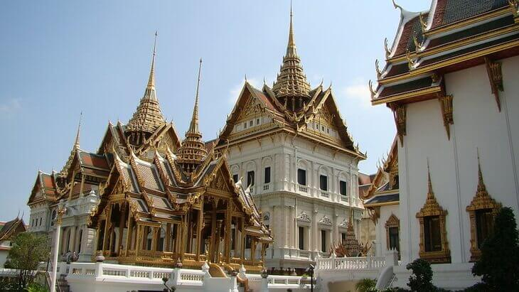 Best Area to Stay in Bangkok for Sightseeing: Grand Palace