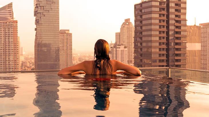 Best Luxury Hotels in Bangkok with Infinity Pool:  Amara Bangkok