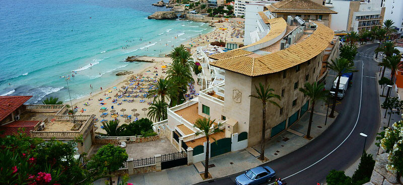 where to stay in Cala Major mallorca close to airport