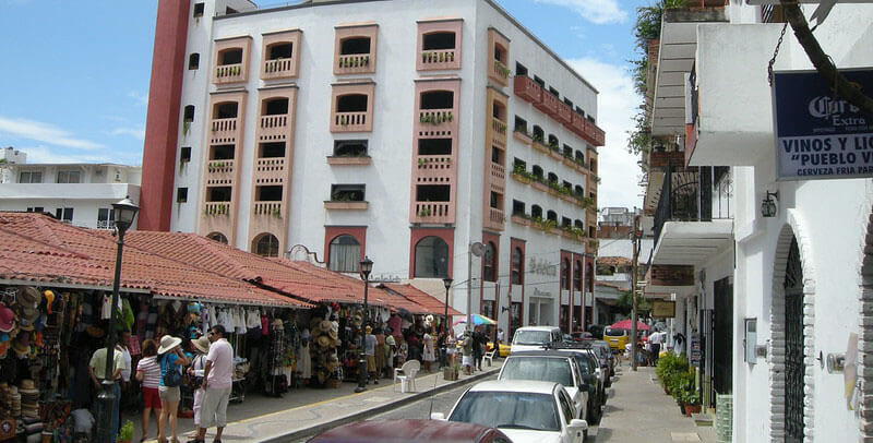 where to stay in Puerto vallarta on budget: downtown