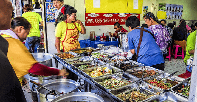 where to stay in Bangkok for street food