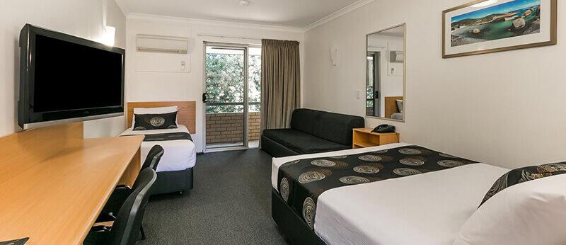 Best Hotels in Perth Australia: Flag Motor Lodge