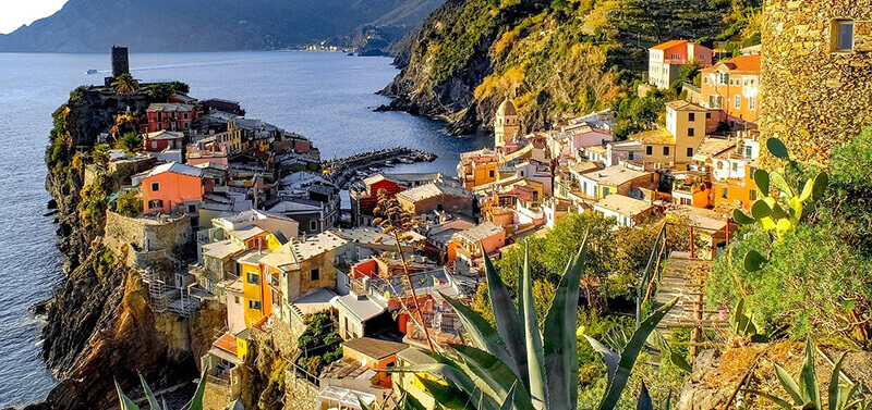 How Many Days in Cinque Terre: Vernazza