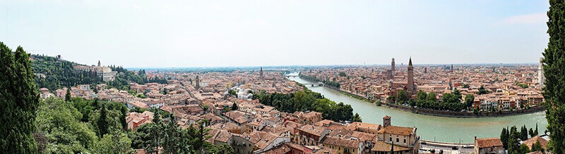 Where to Stay in Verona Italy: City Center