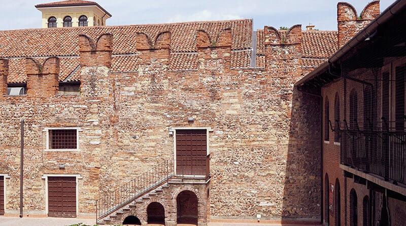 Where to Stay in Verona Italy: San Zeno