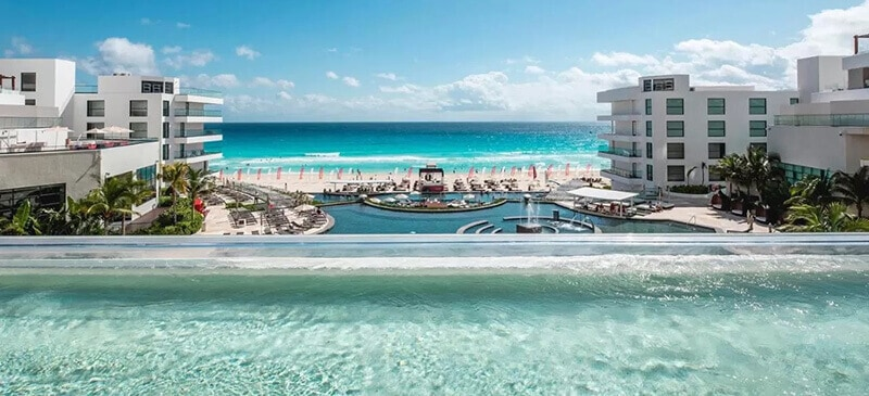 Best Hotels In Cancun For Partying: Amar House, All-Inclusive