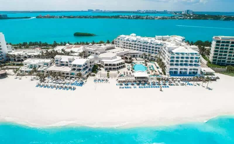 Best Hotels In Cancun For Partying: Panama Jack Resorts Cancun