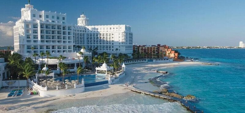 Best Hotels In Cancun For Partying: Riu Palace Las Americas – All Inclusive – Adults Only