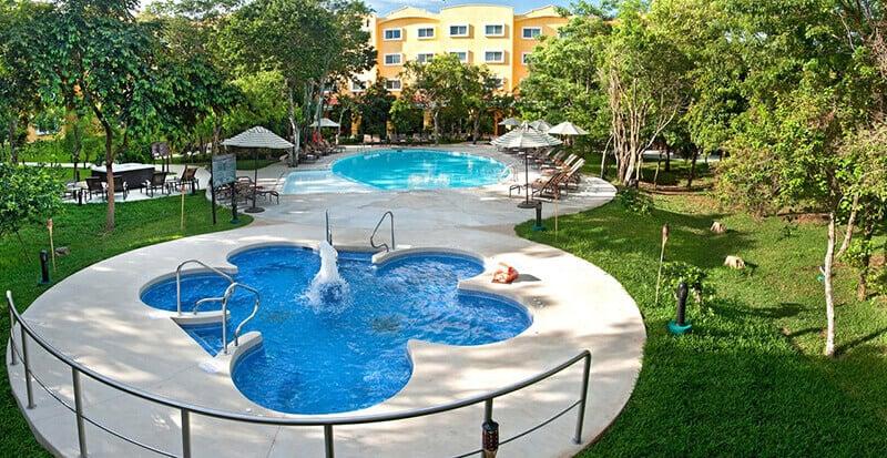 Best Hotels Near Cancun Airport: Courtyard by Marriott Cancun